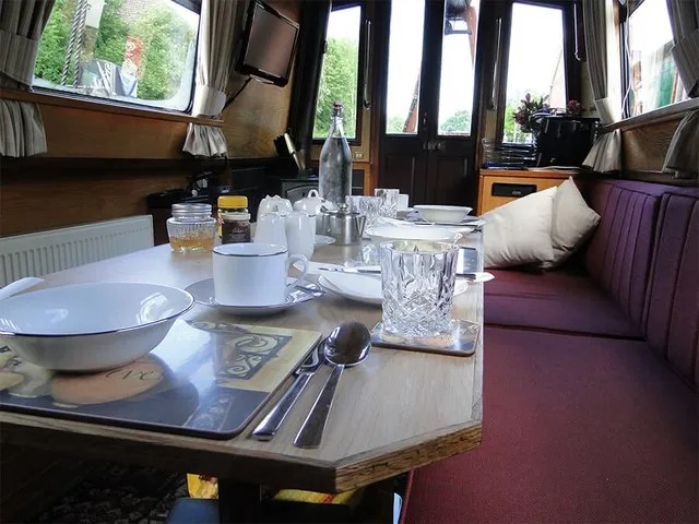Canal Boat Hire In England Amp Wales Takara Hotel Boat