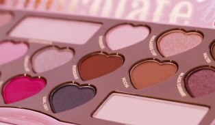too-faced-chocolate-bon-bons-palette-1000-3