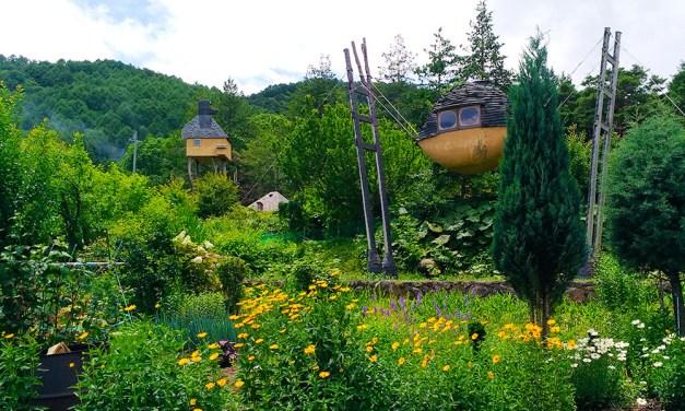 信州 諏訪「藤森照信建築群」を味わう旅のすすめ