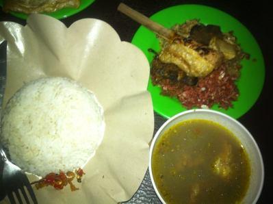 5 Kuliner Murah di Bali: Nasi Lawar Yan Negro