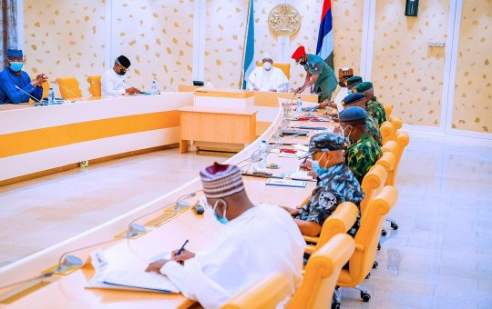 Insecurity: President Buhari Meets With Service Chiefs