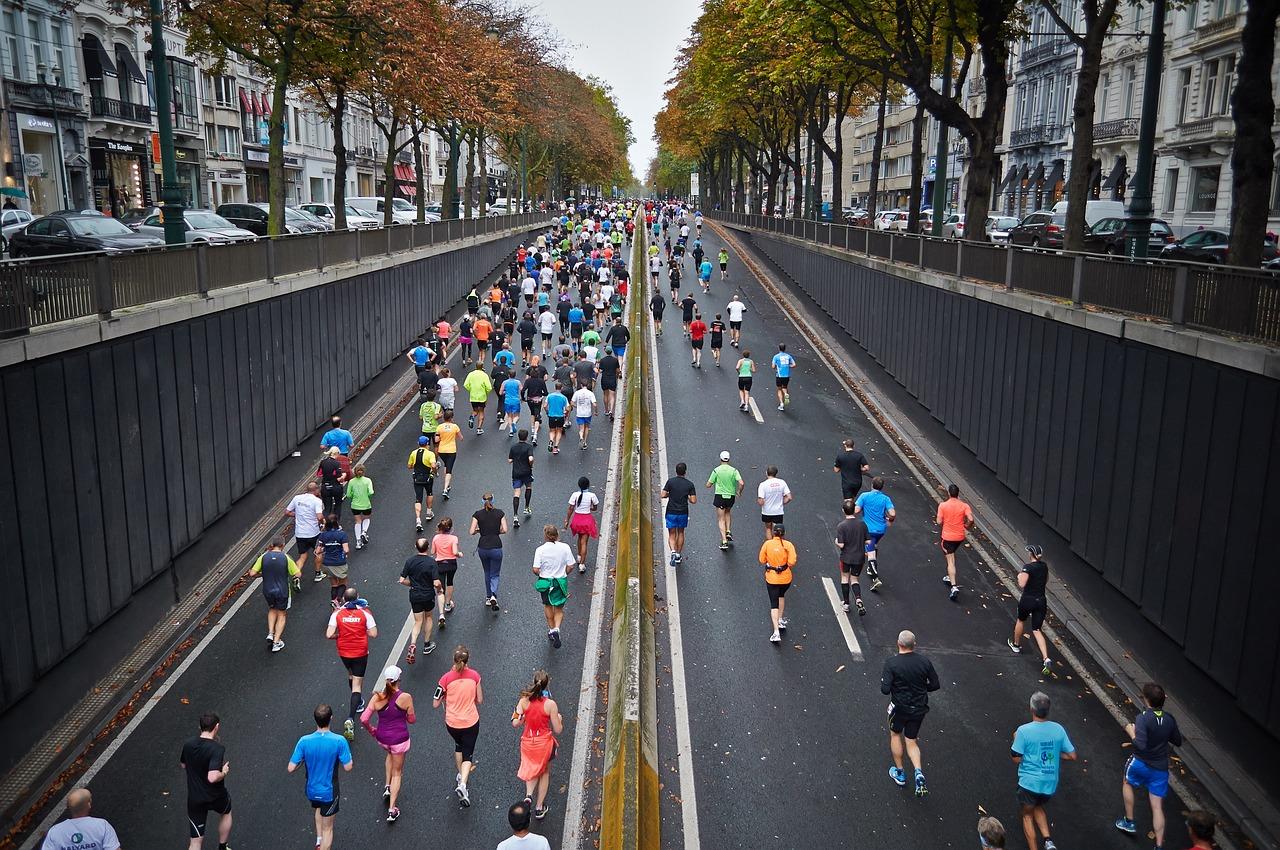 マラソンをしている人たち