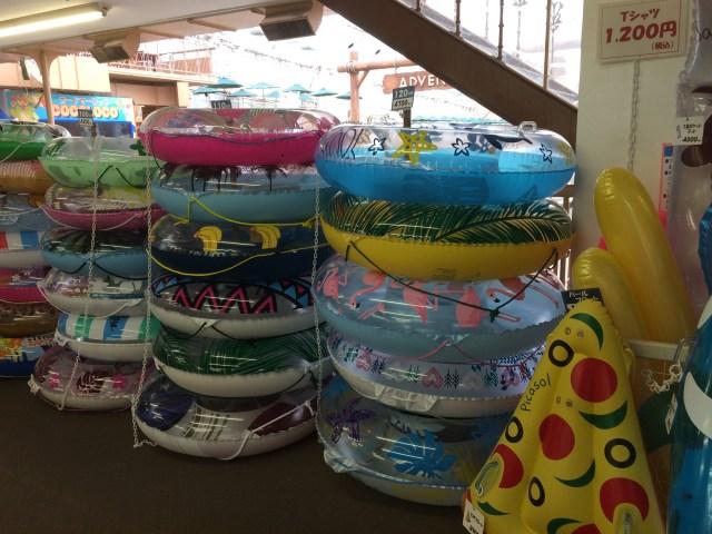 東京サマーランドで販売されている浮き輪