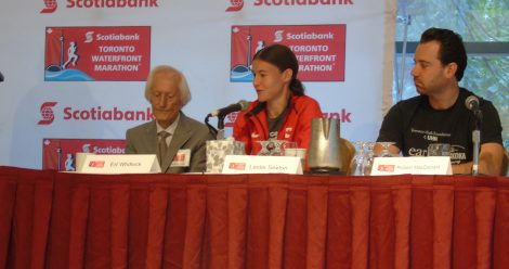 Leslie Sexton (centre) will be among the leading elite Canadian women at the Toronto Waterfront Marathon on October 16th.