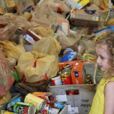 Christ Church food drive and little girl in yellow dress 021917