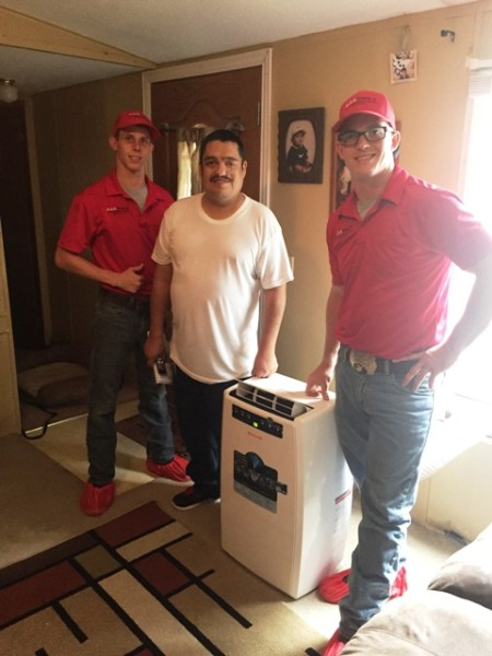 AAA installs DE air conditioner for Mr Lopez 101416