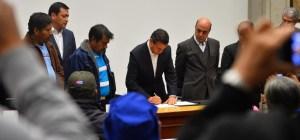 La reunión del presidente Peña Nieto con los familiares de los desaparecidos duró más de 5 horas