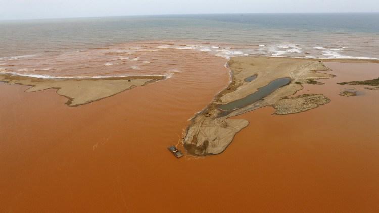 rio-doce-brasil-desastre7