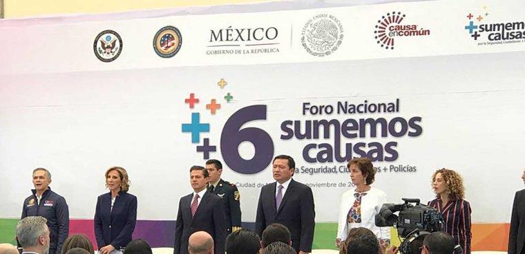 ENRIQUE-PEÑA-NIETO-MANCERA-Y-CHONG-Foro-nacional-Sumemos-Causas-FOTO-Carlos-Cordero-770x392.jpg
