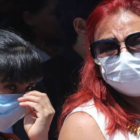 Existe más evidencia de que las personas saludables pueden esparcir el coronavirus