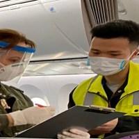 Llegó a México avión procedente de Shanghái con equipo médico