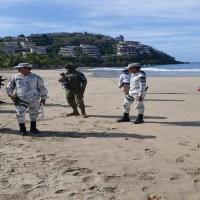Marinos y militares vigilan que nadie llegue a playas de Acapulco
