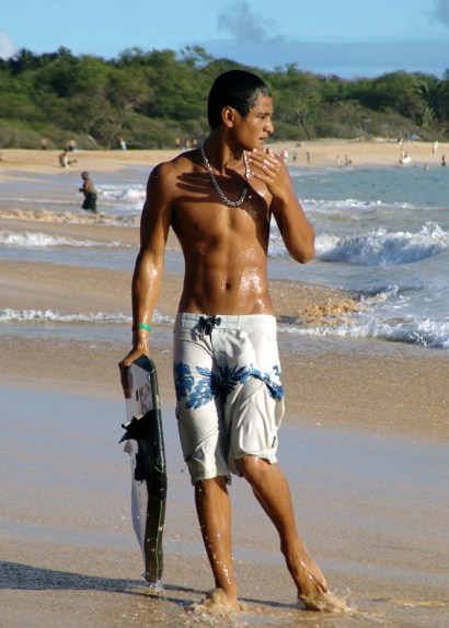 hawaii-svend beobachtet surfer- ich im Koma 033