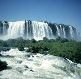 iguazu-falls-oben-mittel