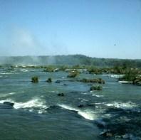 iguazu-falls-stromschnellen vor fall