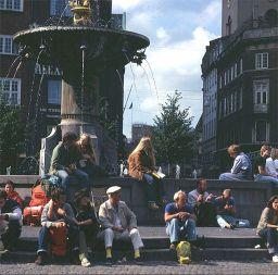 kopenhagen-relaxed people
