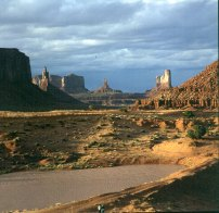 monument-valley-vor-artists-point