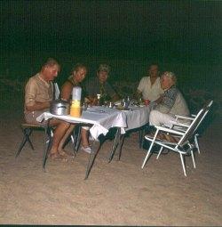 Namibia vor Sossusvlei mit Tischgebet 1987