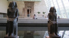 new-york-Metropolitain Museum Tempel Dendur 2003