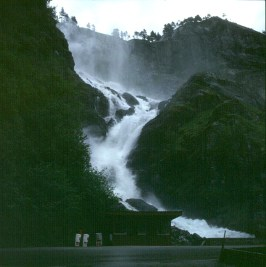 sued-norwegen-latefoss
