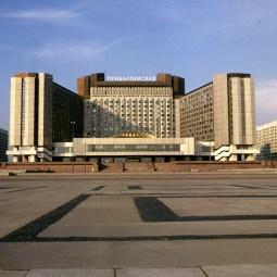 Leningrad-Baltichotel-1988