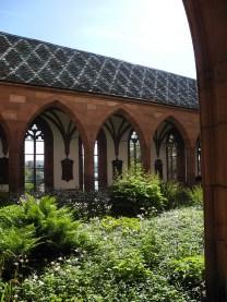 rhein-basel-kreuzgarten