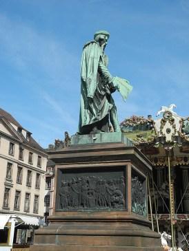 rhein-heidelberg-gutenbergdenkmal