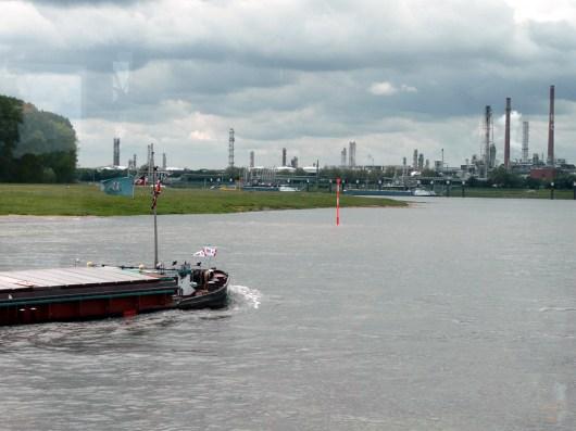 rhein-raffinerie-3