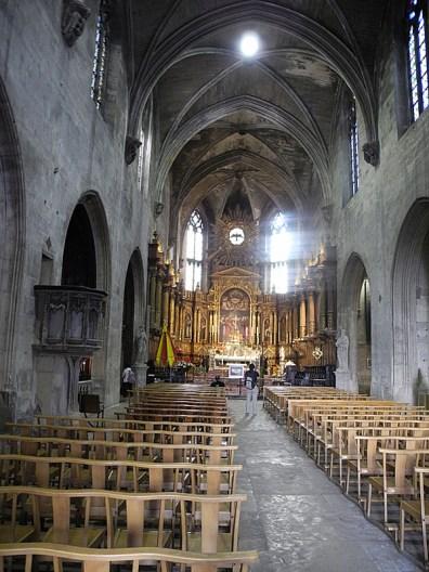 rhone-avignon-kirche