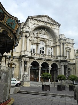 rhone-avignon-theater