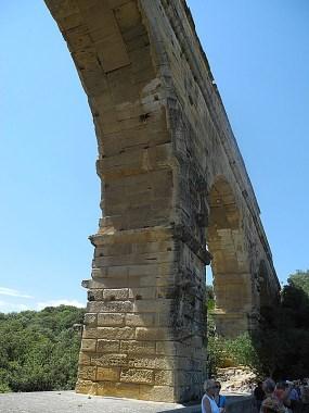 rhone-pont du gard
