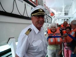 traumschiff-captain-rettunsübung 2012