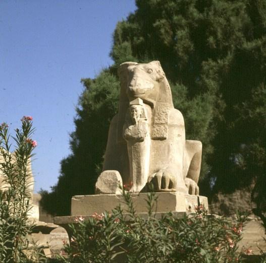 Karnak- Sphingenallee vor Eingang