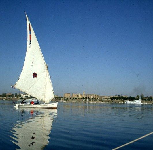 Nil-Luxor Touristenboot