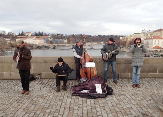 datând un grup de suport muzician)