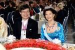 ノーベル賞授賞式と晩餐会 対照的な中村教授と天野教授夫妻