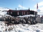 〆切迫る!応募殺到!南極の郵便局の求人は2月27日まで