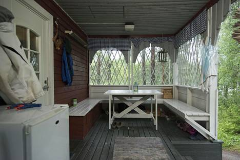 The biggest change in the cottage was that bedrooms were built on the terrace site.