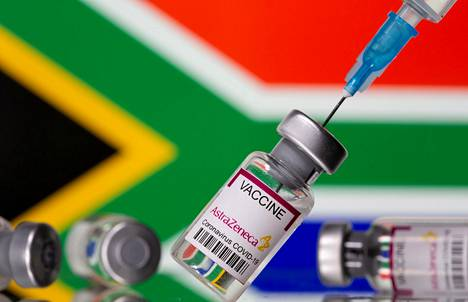 The viral variant developed in South Africa partially evades antibodies.  However, vaccines provide some protection against it, although their effectiveness remains lower than with previous virus strains.