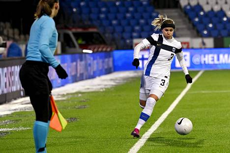 Tuija Hyyrynen has been playing at Juventus since summer 2017.  Picture of the Finland-Portugal match sealed at the European Championships in February.