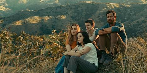 Melissa George, Logan Polish, Gabriel Bateman and Justin Theroux form the family in a new TV series adaptation of Mosquito Coast.