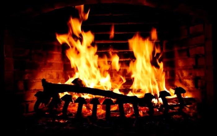 4_Fireplace_Live_HD_Screensaver.jpg