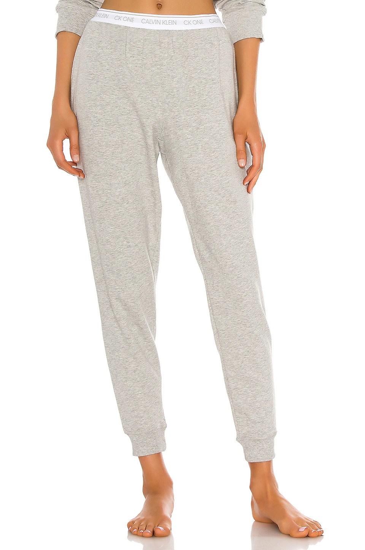 One Basic Lounge Sweatpant                     Calvin Klein Underwear 10