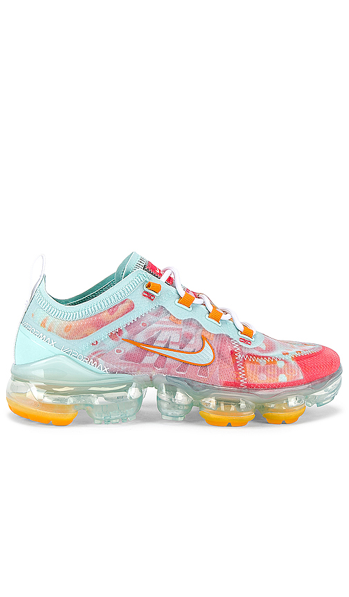 Nike Air Vapormax 2019 Sneaker in Pink. - size 6 (also in 6.5,7,7.5,8.5)