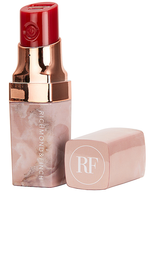 Richmond & Finch Lipstick Powerbank in Pink.