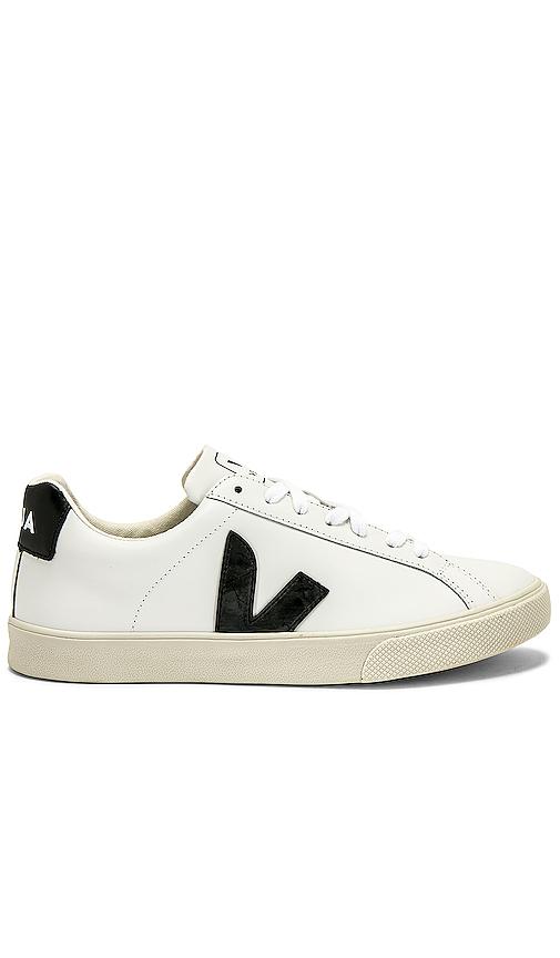 Veja Esplar Sneaker in White. - size 39 (also in 36,37,38)