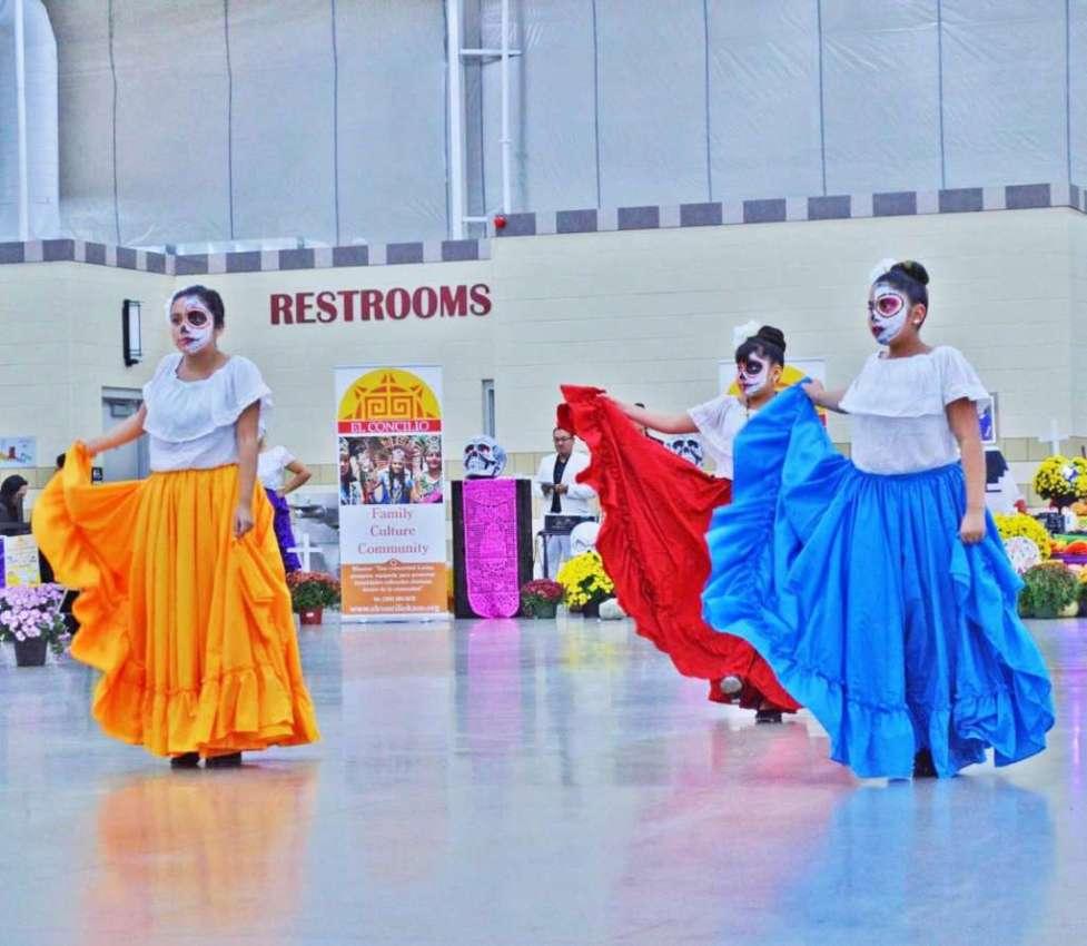 El.Concilio.dancers