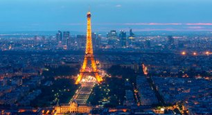 paris-tour-eiffel-at-night