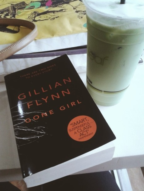 Monday. Went to the campus and picked up a couple of frames from SEARCA. Also stayed in Moonleaf Grove with my fave Peppermint Milk Tea (PROMOTE??) and my current read, Gillian Flynn's Gone Girl.