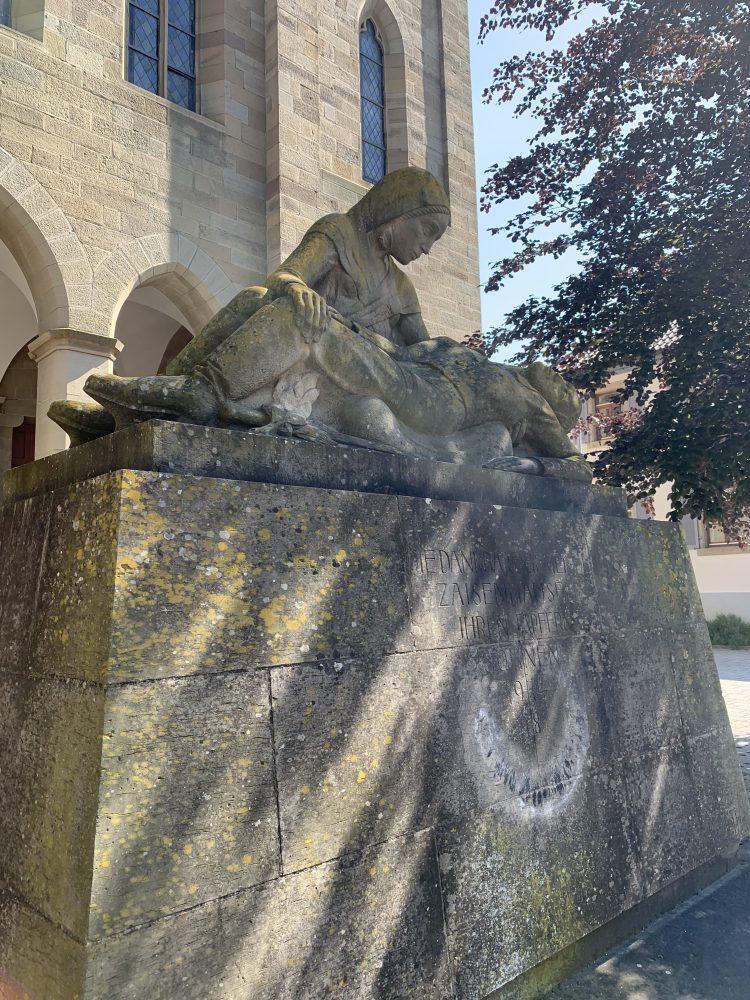 Zaisenhausen . Kriegerdenkmal . Denkmal der Gefallenen des Ersten Weltkriegs . Karlsruhe . Evangelische Liebfrauenkirche . IsabellaMueller . @Isabella_Muenchen
